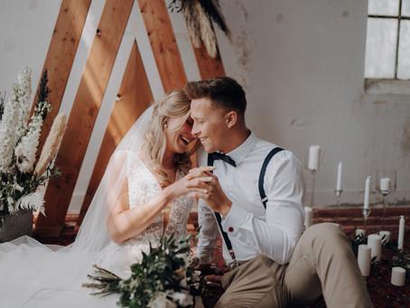 Passende Hochzeitskonzepte für eine Location im Industrial Design - Wedding Styled Shoot im Bau 113