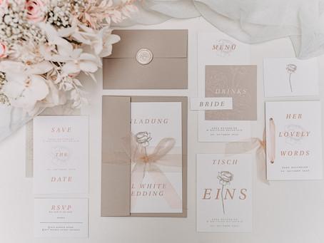 Hochzeitskonzept komplett in Weiß - all white all right - klassisch und elegant, weiße Hochzeitsdeko
