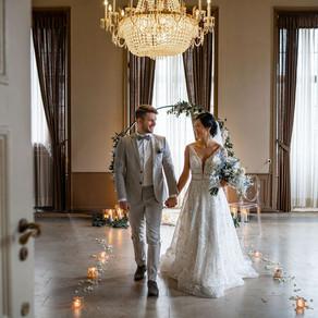 Fine Art Hochzeit mit blauen Akzenten - edles Hochzeitskonzept in Blau - romantische Schlosshochzeit