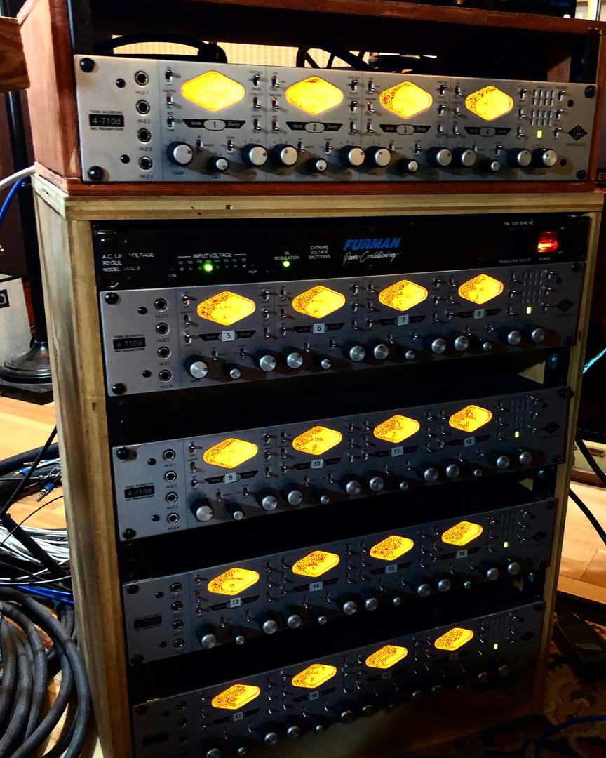 RCMS Universal Audio Vertical Console.jpe