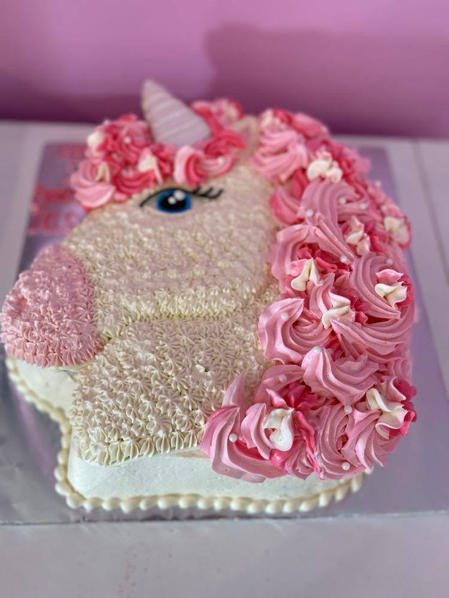 pony cakes  (14).jpg