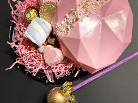 Valentine Pinata Smash Cake