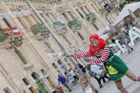 Bubble Shows in Malta; Wally Jolly Bubble Show; Childrens bubble show; bubble show for kids in Malta; kids parties in Malta; kids events in Malta