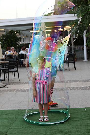 Bubble shows in Malta; Bubble show; Childens Bubble Show; Wally Jolly Bubble show; Kids parties in Malta; kids events in Malta