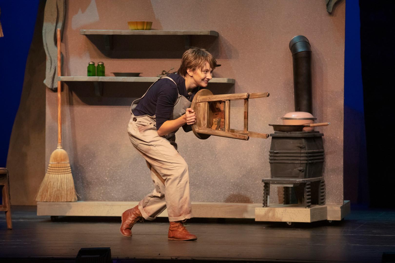 Hansel and Gretel, Act 1 Fargo-Moorhead Opera October 2019