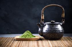 japanese-matcha-green-tea-drinking-cerem