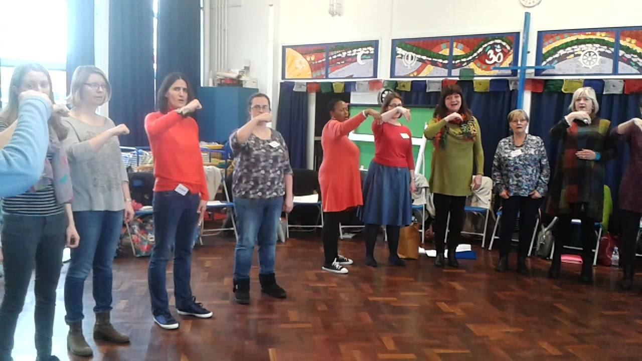 Day 2 of the workshop for Early Years and Primary Classroom teachers.  The group sings the triad sequence in the major key in solfa.  Many had done little or no solfa before starting the course.  Not all were music teachers.  The group included instr