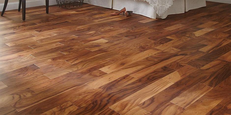 is-hardwood-floor-installation-3.jpg