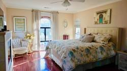 Bridal Suite/Master bedroom