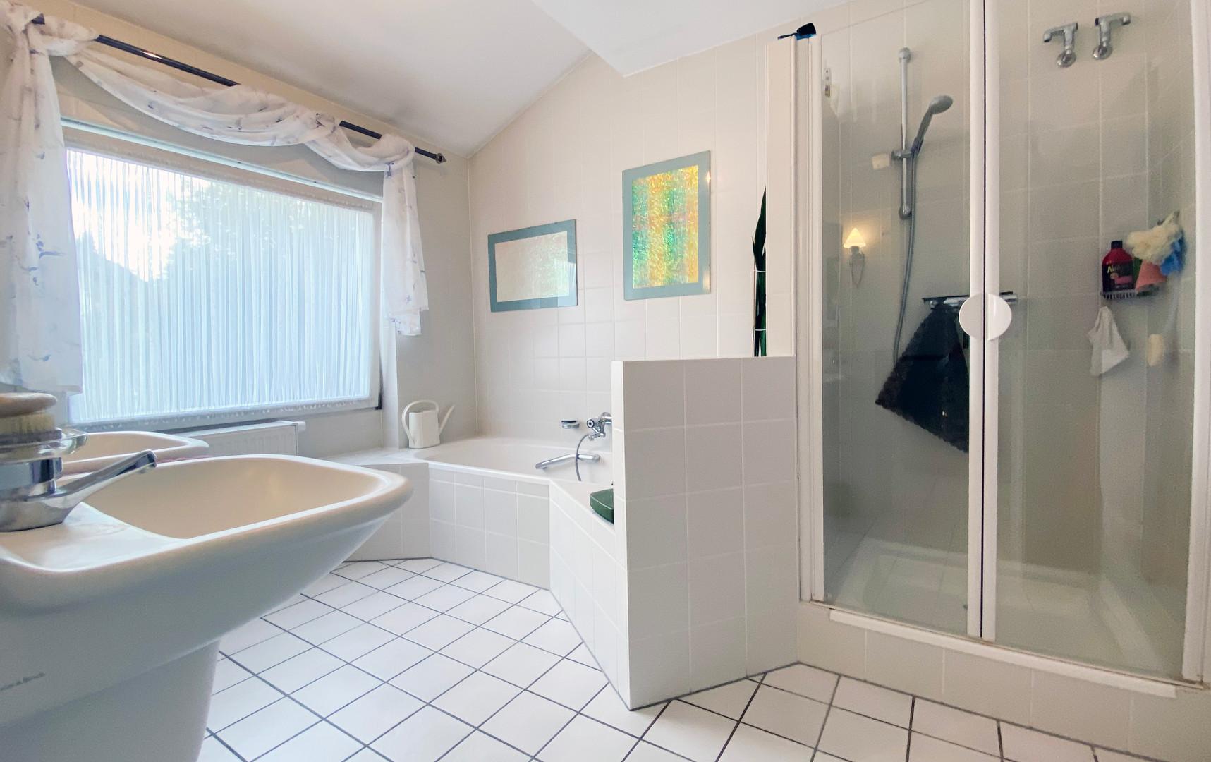 Badezimmer OG.jpg
