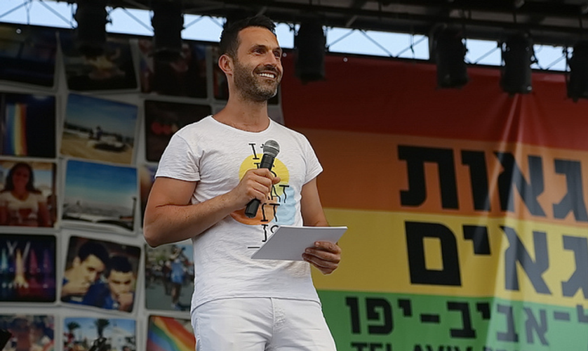 Mehrsprachiger Eventmoderator, Alfonso Pantisano, Moderation, Moderator, Mehrsprachiger Moderator, Moderator buchen, Messe Moderator, Soziales Engagement, Tel Aviv Gay Pride, Israel