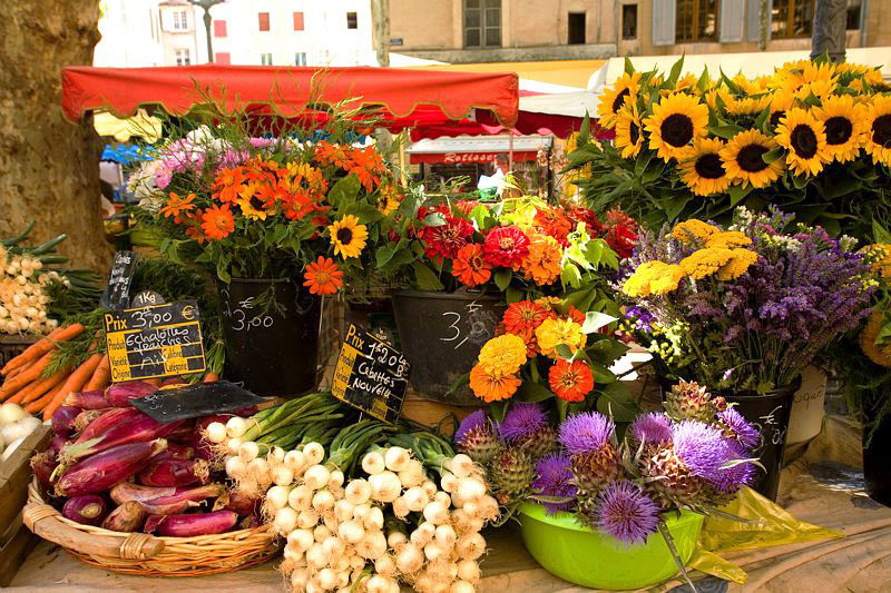 Fall farmers' market