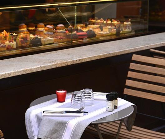 Dessert window