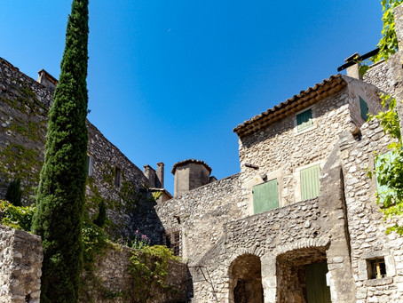 7 Picture-Perfect Provence Towns by Guest Editor, Janine Marsh