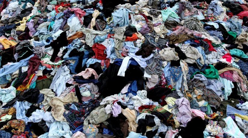 Vêtements jetés.jpg
