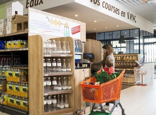 De l'eau en vrac dans les supermarchés pour en finir avec les bouteilles plastiques ?