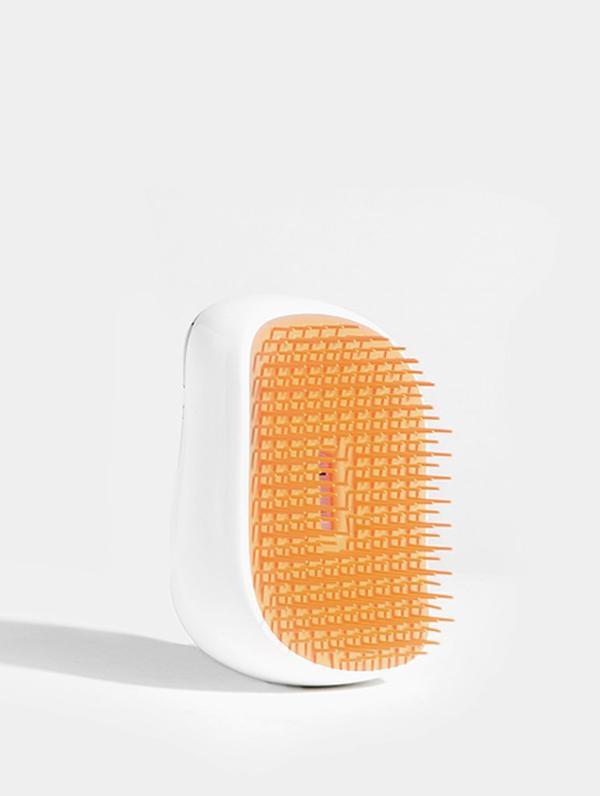 https://www.skinnydiplondon.com/products/tangle-teezer-x-skinnydip-peachy-hair-brush