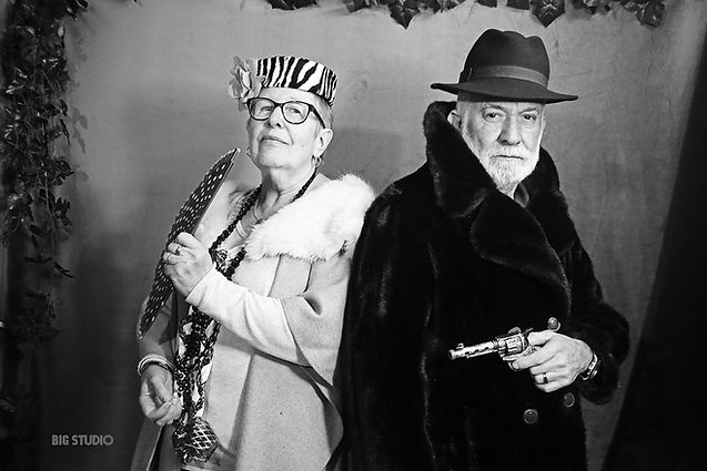 Bonnie and Clyde. BIG STUDIO style cabaret. Marché de Noël de Rouen 2020.