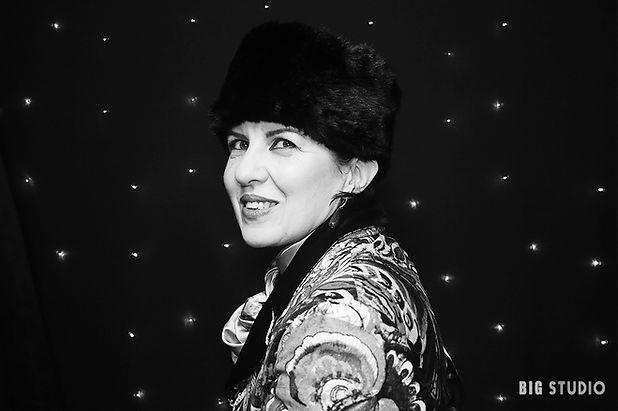 BIG STUDIO classique. Portrait en noir et blanc. Marché de Noël de Rouen 2018.