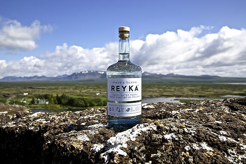 Reyka_bottle_mountains.jpg