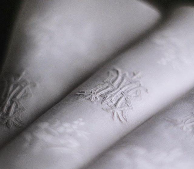 Serviettes anciennes en brodées