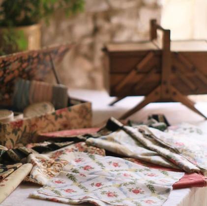 #裁縫道具 _#裁縫箱_#リボン_#couture _#tissu _#アンティークのある暮らし _#フランスアンティーク_#プロローグ展2日目 _#7月8日からの展開となります _#ハンドメイド部
