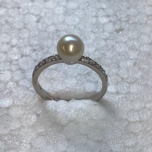 Single Pearl  (petite)