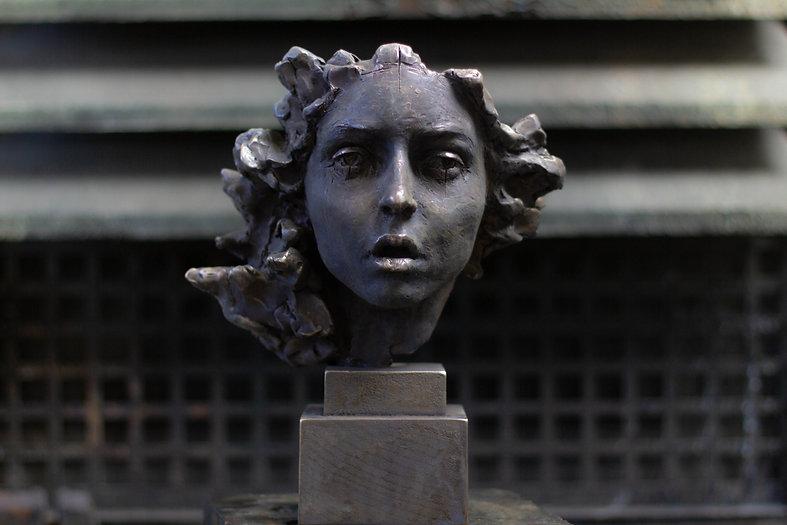 Patina process by the contemporary sculptor Irina Shark.