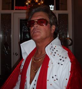 Elvis Costume & Studio Pics 10 09-05_edi