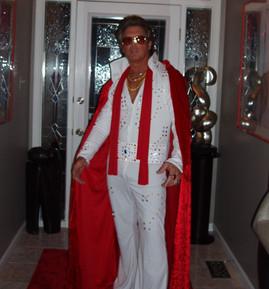 Elvis Costume & Studio Pics 10 09-01_edi