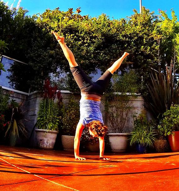 Handstand straddle splits