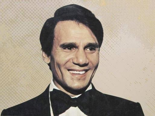 بعد 44 سنة على وفاته  عبد الحليم حافظ في حفل غنائي