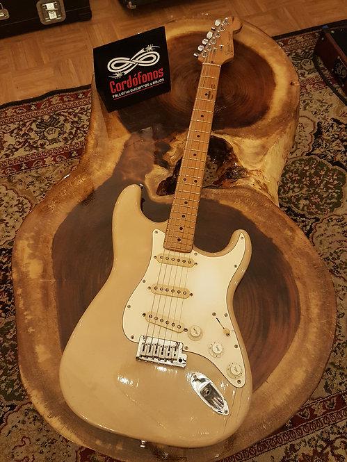 Fender American Standard Stratocaster Vintage White de 1987