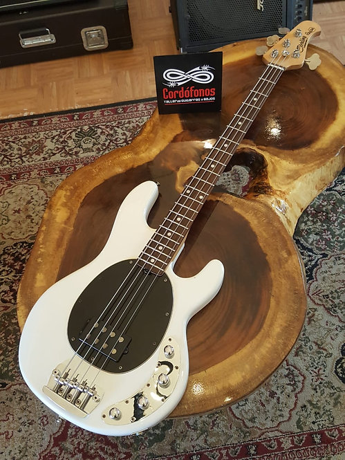 Sterling by MusicMan Ray 34 White