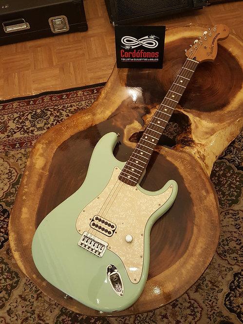 Fender Tom Delonge Signature Stratocaster 2001