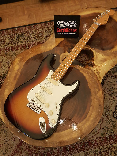 Fender American Plus Stratocaster Sunburst de 1989