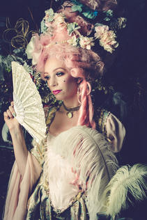 Marie Antoinette Photo Fashion-8.jpg