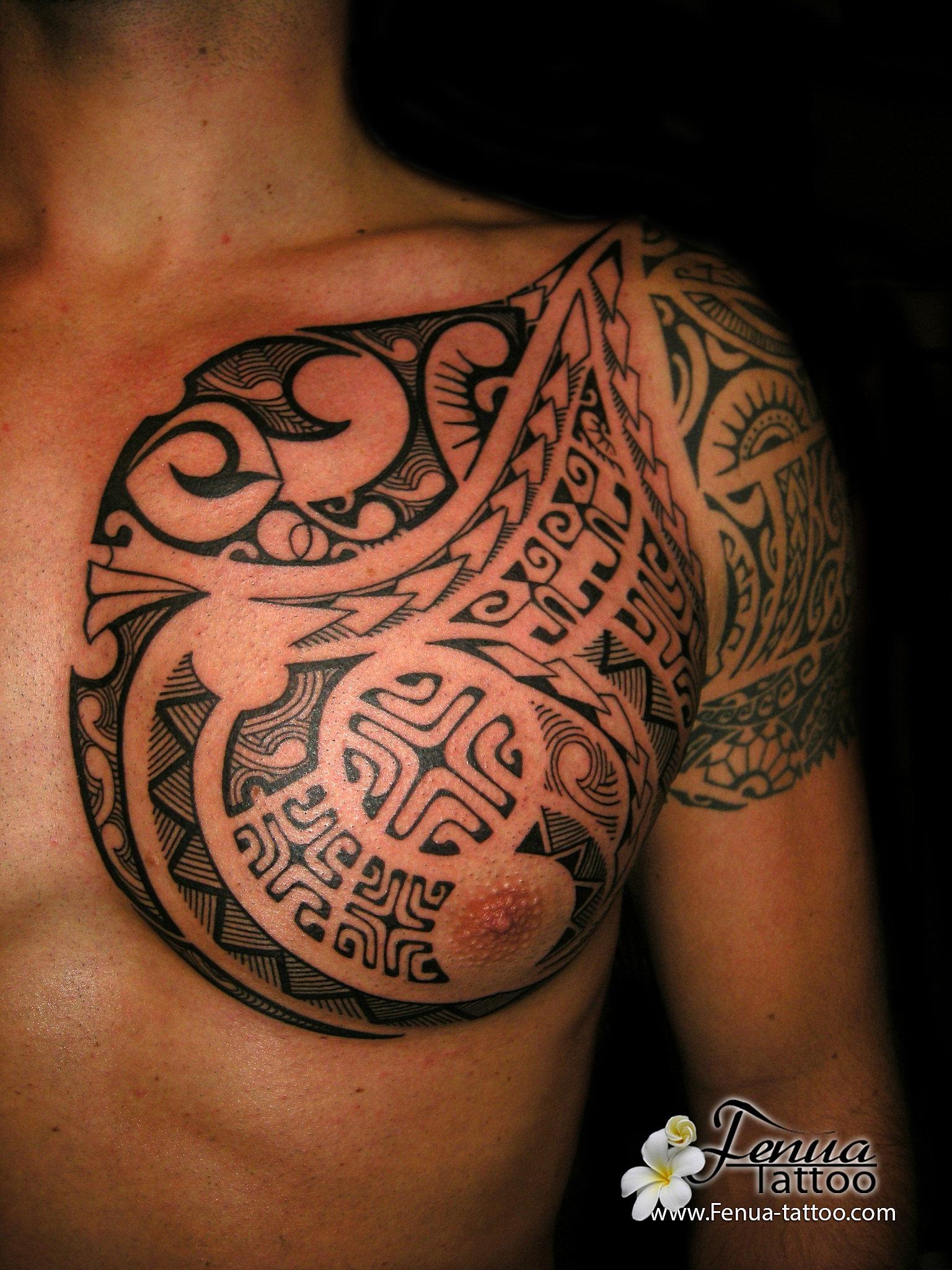 tatouage polynesien. Black Bedroom Furniture Sets. Home Design Ideas