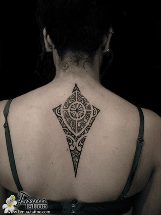 Photo de tatouage polynésien tribal et maorie