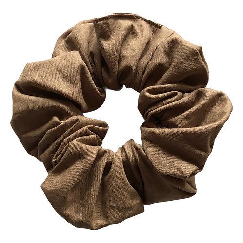 Ljusbrun scrunchie