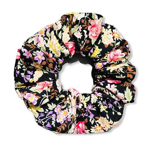 Svarta blommor scrunchie