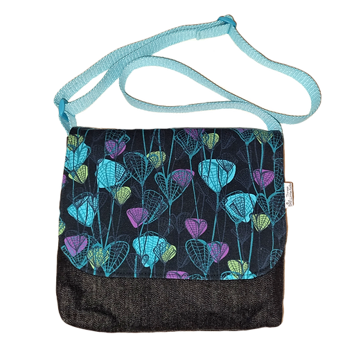 Messenger bag - Aqua blooms