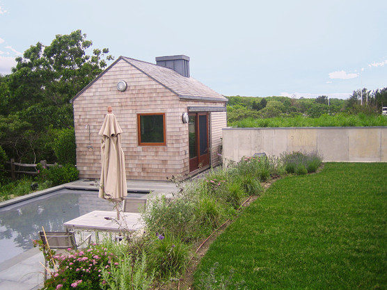 6lilien poolhouse.jpg