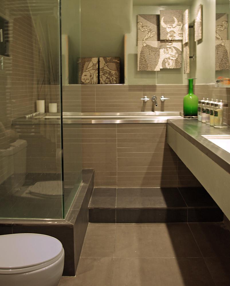 8 master bath.jpg