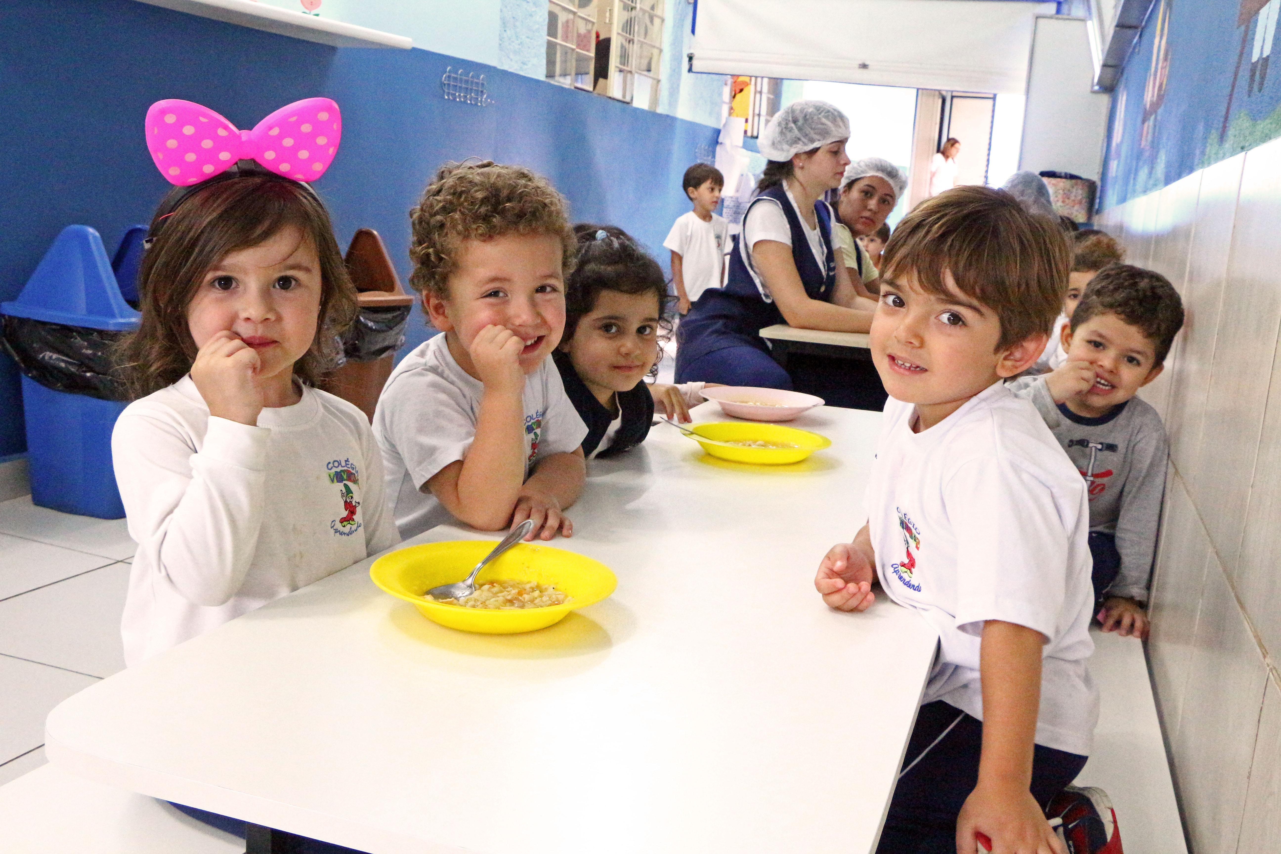 Educação Infantil (98)