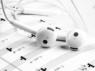 black-and-white-close-up-earphones-24851