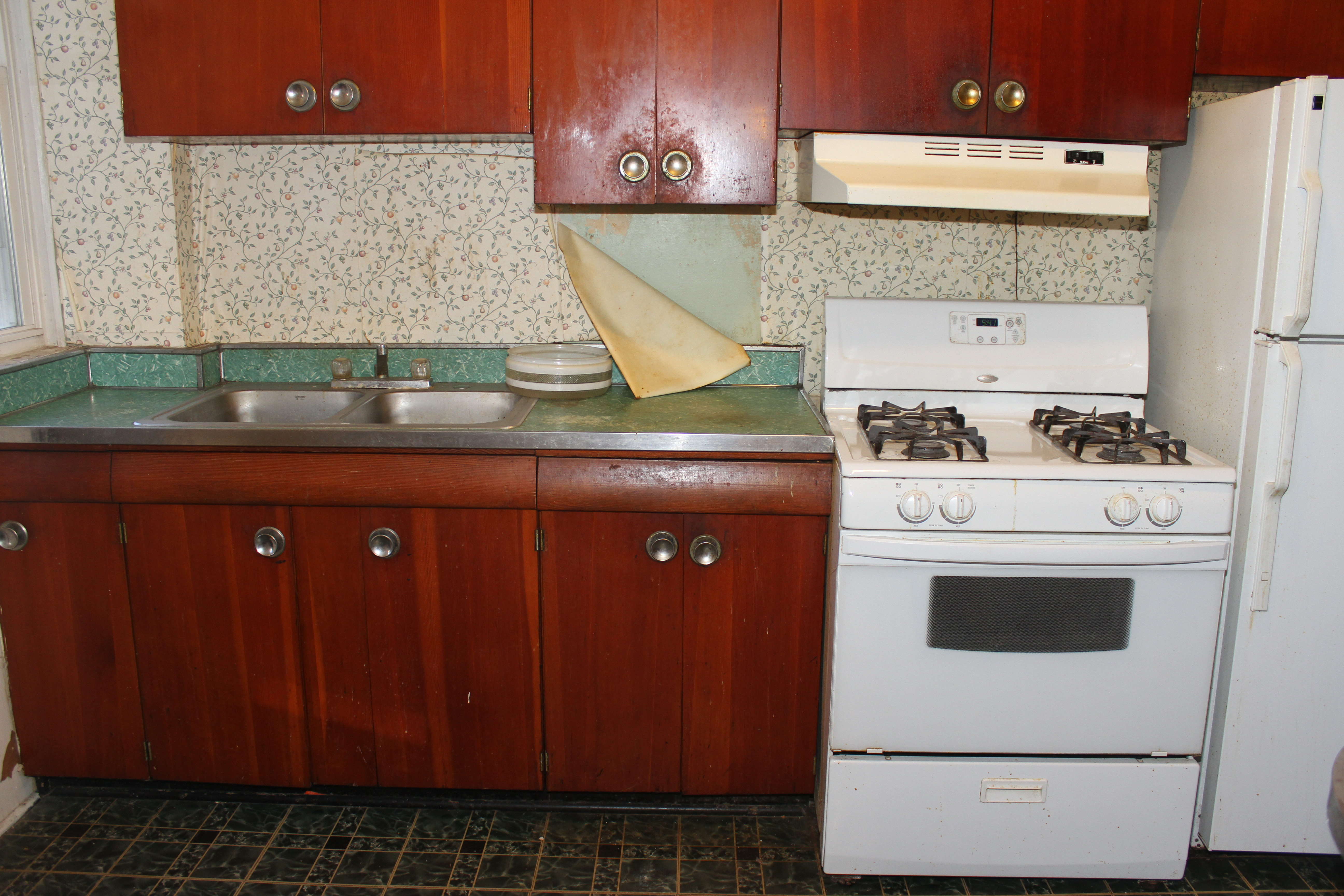 Old Kitchen and cabinets