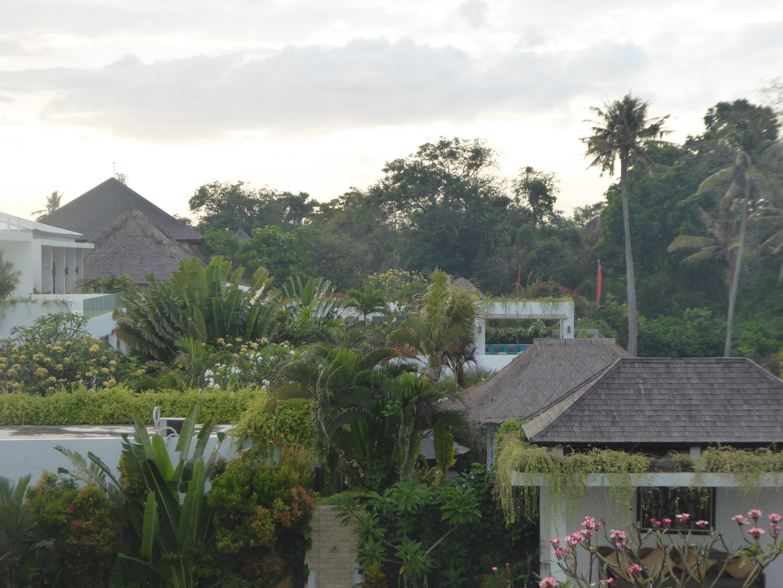 Estate neighbours
