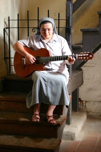 Promover musica bíblica