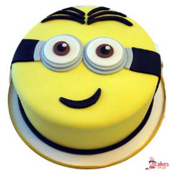 Smiling Minion Fondant Cake